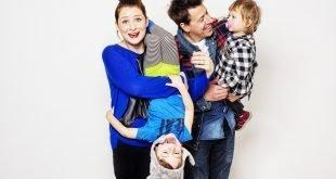 A-LIVE! Perché sopravvivere ai figli è una cosa da ridere! - Ph Dario Altamura - Sara Colangeli pozzolis A-LIVE! Perché sopravvivere ai figli è una cosa da ridere! Lo spettacolo teatrale della Pozzolis Family Ph