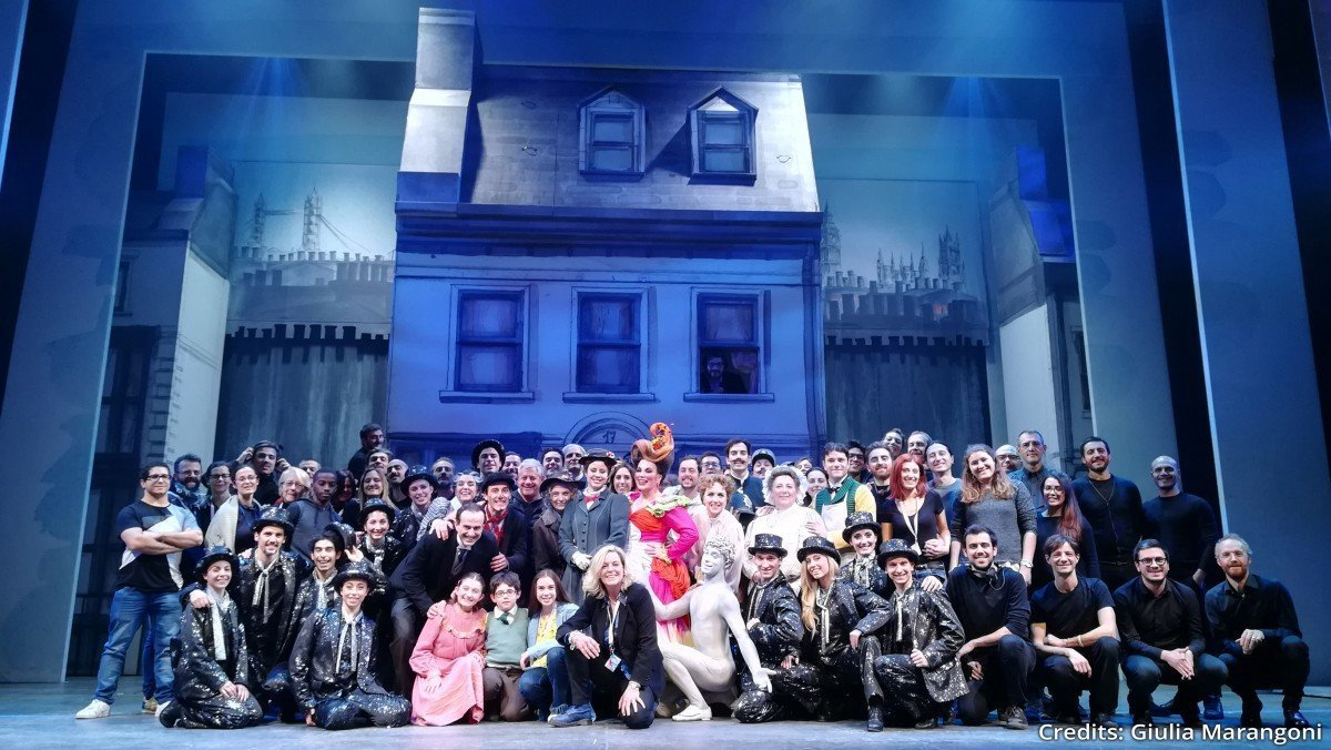 Mary Poppins il musical mary poppins Mary Poppins il musical gruppo2