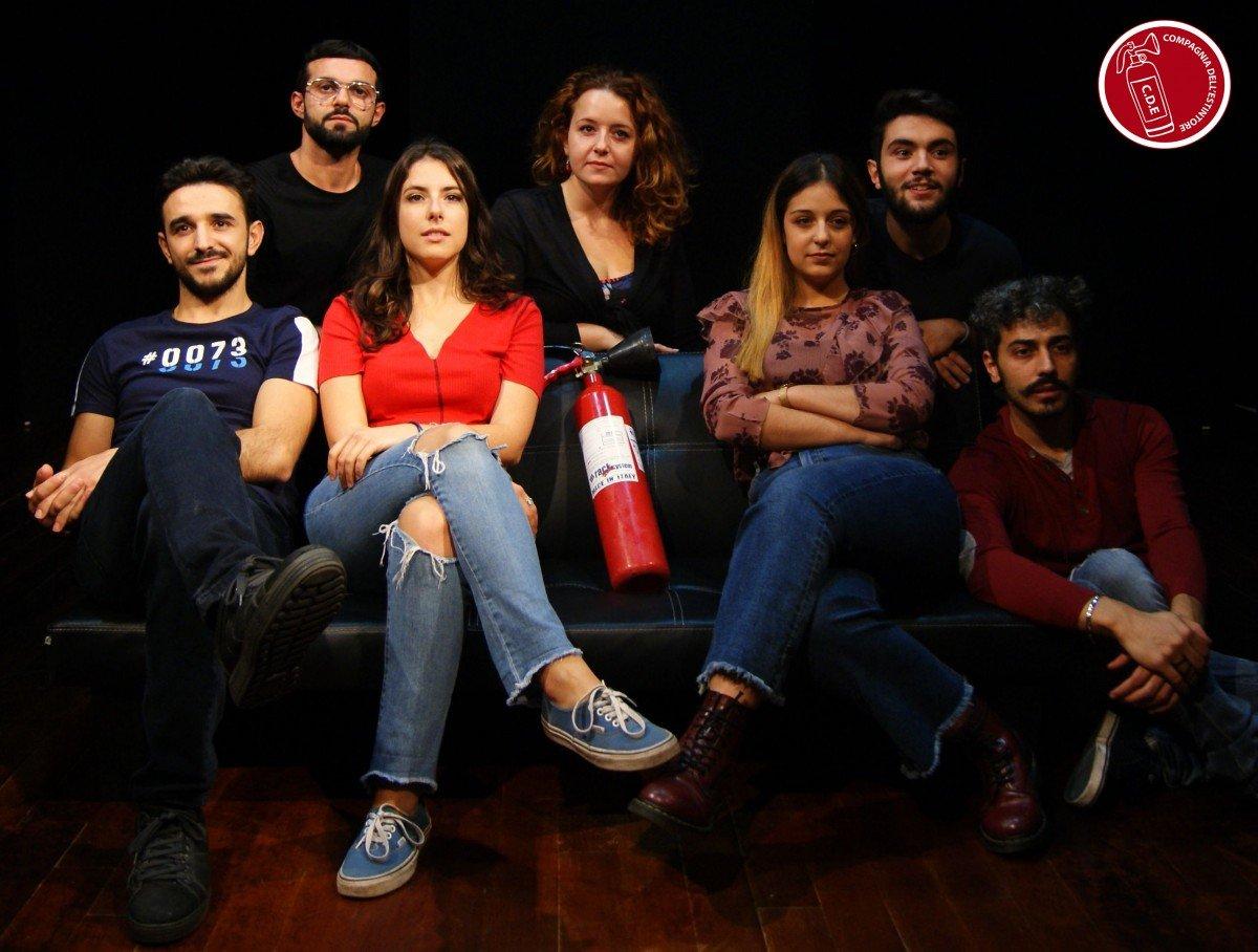 Il girotondo - Sara Colangeli il girotondo Il girotondo – la recensione COMPAGNIA ESTINTORE